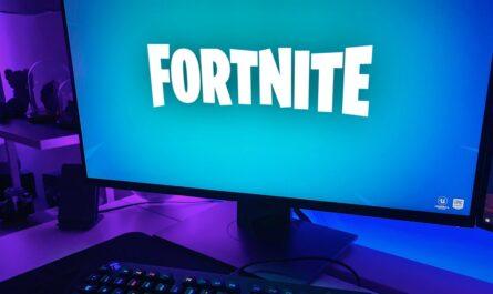 Hra Fortnite spuštěná na stolní počítači.